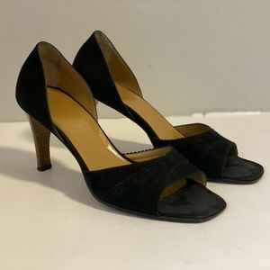 GUCCI BLACK SUEDE LEATHER D`ORSAY SCALLOP SANDALS